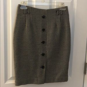Button front houndstooth skirt